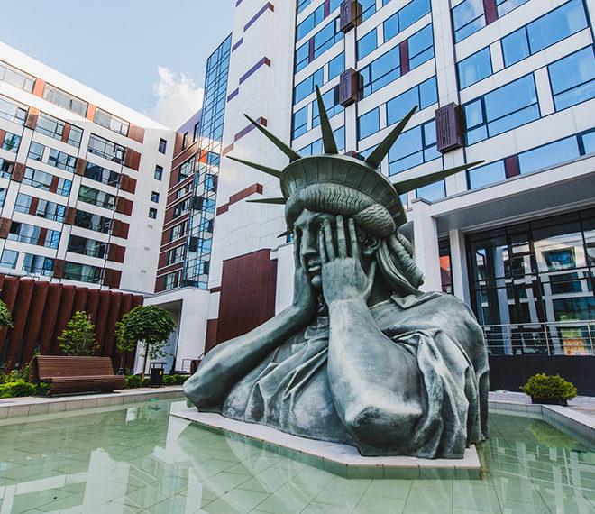 Tribeca Apartments - статуя свободы.